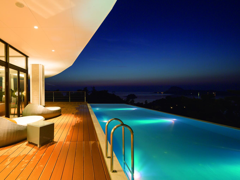 天空に浮かぶリゾートホテルで過ごす最上の休息。
