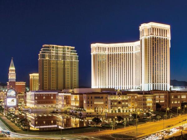 プレミアムシップとアジア最大級の高級リゾートホテルで過ごす贅沢な時間
