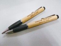 木製オリジナルボールペンをプレゼント