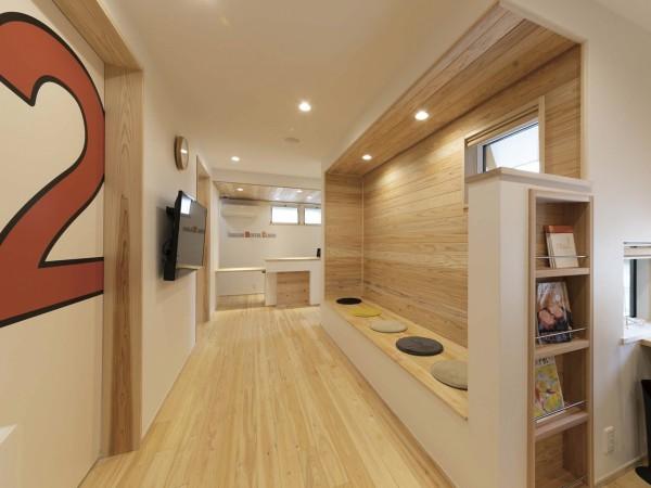 自然素材を活かしたデザイン力を持つ『新産住拓』だからこそ叶える医院建築