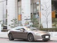 広島の日常に溶け込む4ドアスポーツカー