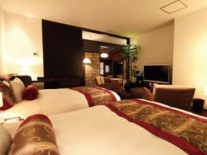 1組2名様、1泊22万円の客室「大竹」にご招待