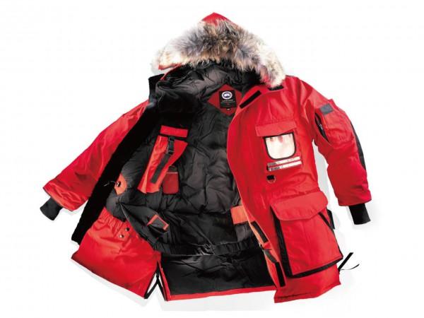 CANADA GOOSE 想定外の厳冬が来ても、 北極仕様なら戦える。