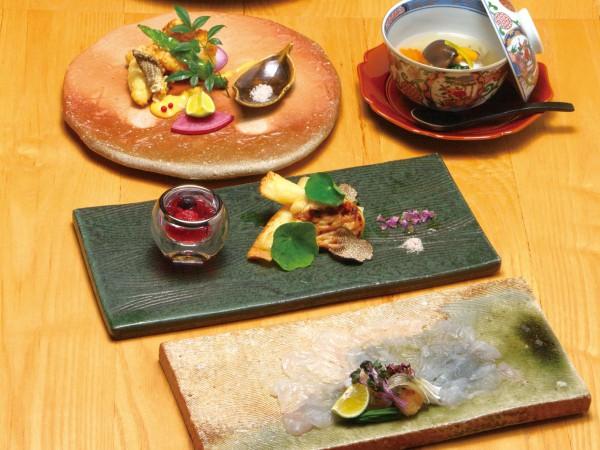 新しくも伝統のある新感覚の和食 冬の味覚「淡路島3年とらふぐ」を楽しむ。