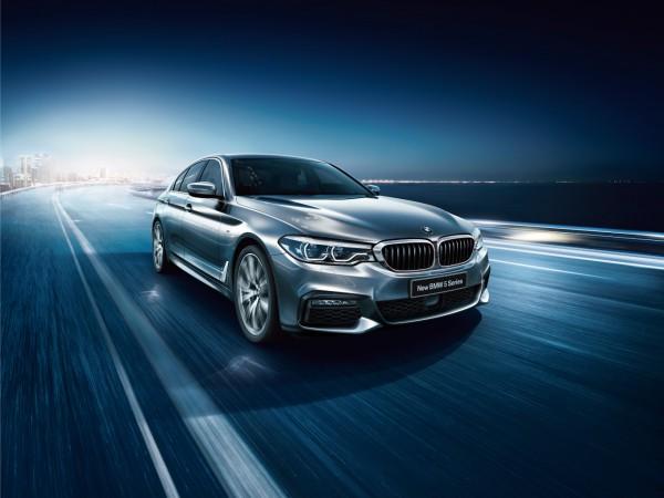「駆けぬける歓び」の体験。ニュー BMW 5シリーズを試乗する。