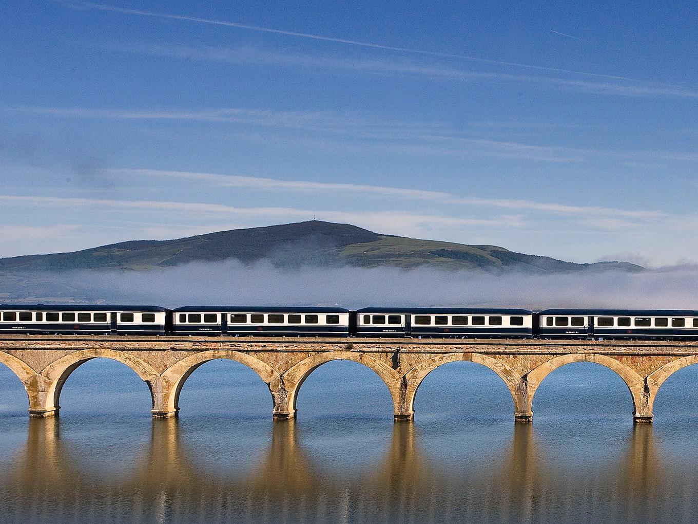 さすが「世界の旅情」! 超豪華列車のスペイン旅行