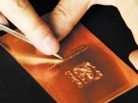 百年企業「銅版印刷」が、味わい豊かな特殊印刷による名刺サンプルを無料進呈中!
