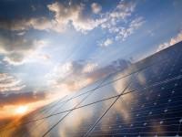 「太陽光発電投資なら今年度中に」の根拠とは。